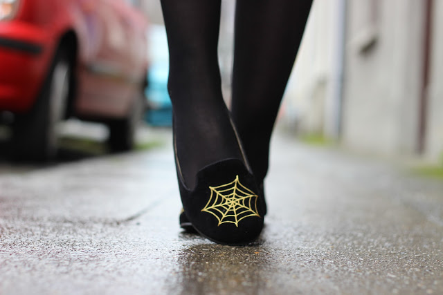 HALLOWEEN GIVEAWAY ~ [CLOSED] WIN a pair of the SpiderWeb Slipper Flats from DaisySreet.co.uk [CLOSED]