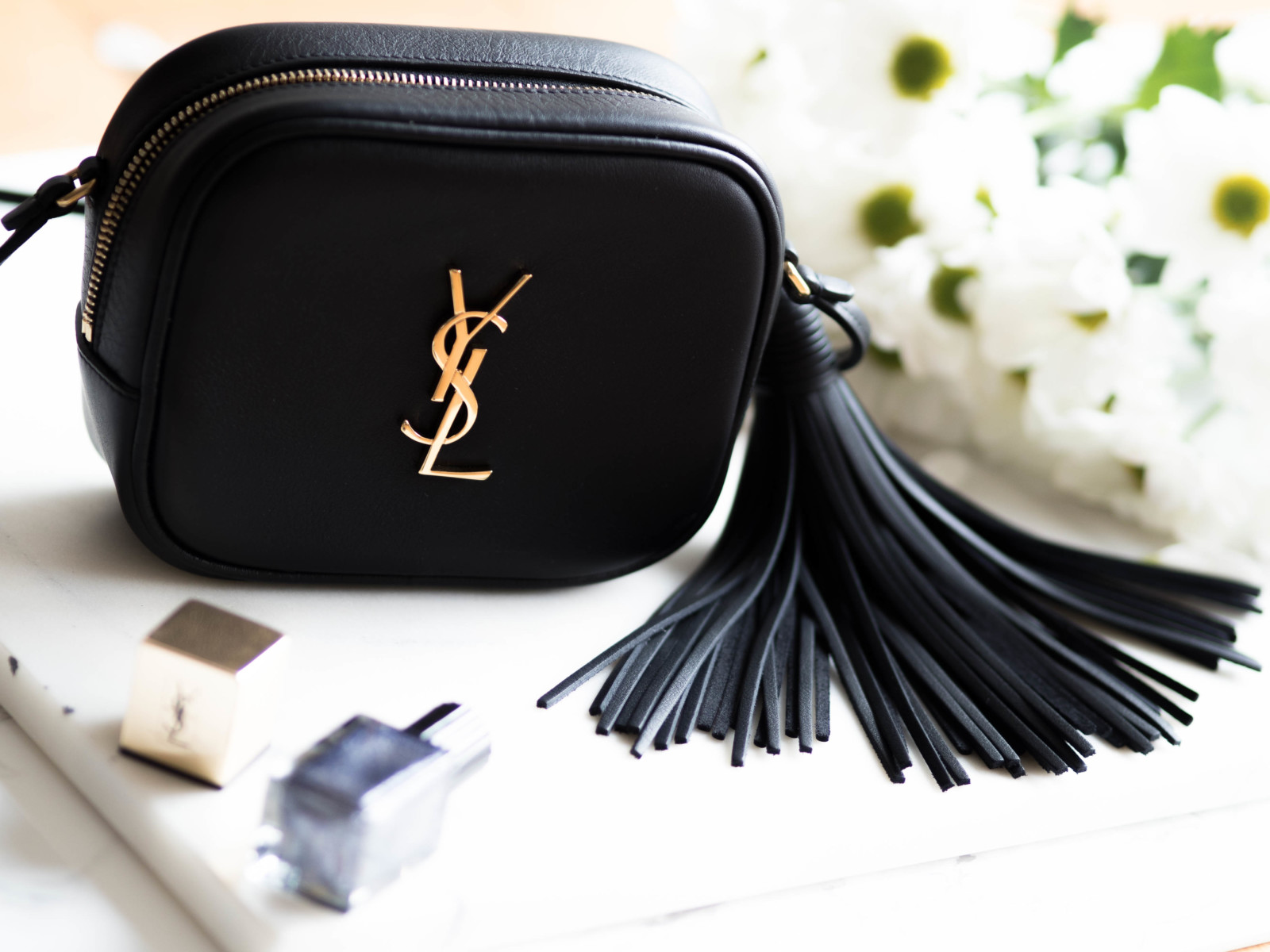 VIDEO: YSL Blogger Monogram Bag review & What fits inside